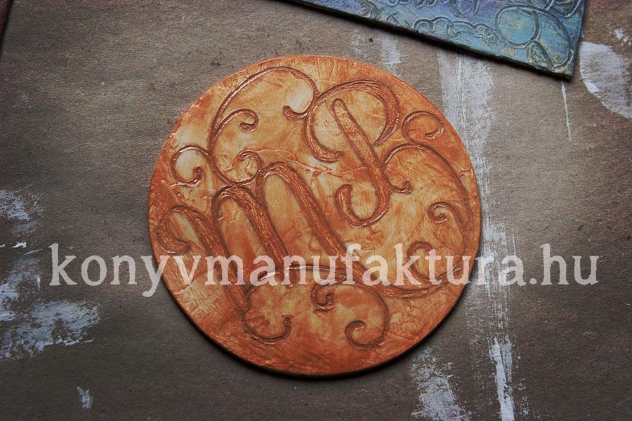 monogram03